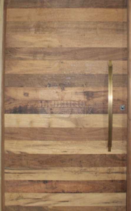 Portas de entrada em madeira maciça - Foto: 32