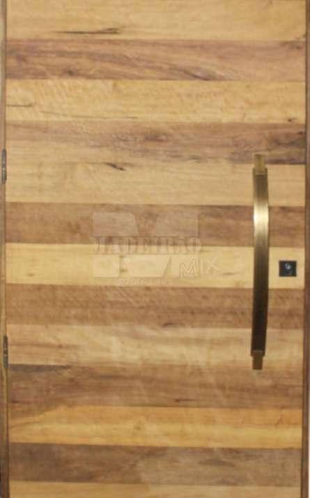 Portas de entrada em madeira maciça - Foto: 33