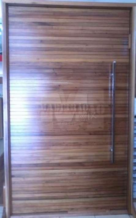 Portas de entrada em madeira maciça - Foto: 1