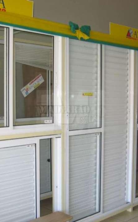 Todo Nosso Mostruario de Aluminio Branco na Promoção Verde Amarelo.